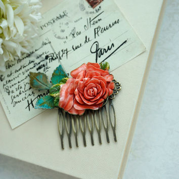 Large Red Rose, Verdigris Green Brass Leaf Comb Rustic Green and Red. Red Wedding Sis, Wedding Hair Comb. Bridal Hair Comb, Bridesmaid Gift.