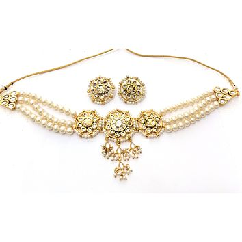 Kundan - Trendy large round charm collar Necklace and stud Earring set
