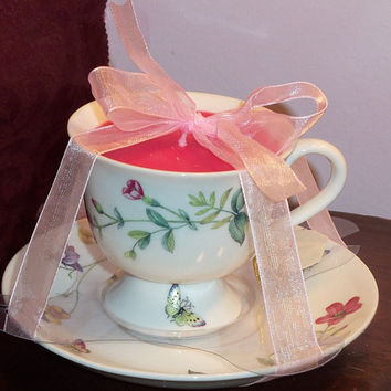 Tea Cup Candle with butterflies and roses - grapefruit scented - shipping included