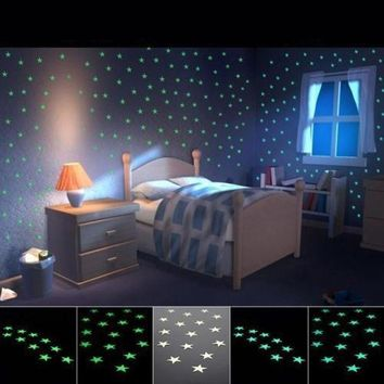 ICIKM2 2017 New Wall Stickers For Kids Baby Room Stickers 100PCS Home Glow In The Dark Stars Decors For Home Fridage Decoration