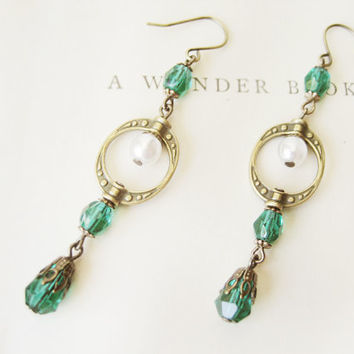 Art Deco-Inspired Earrings // Handcrafted, Emerald Czech Glass, Antique Brass, Bridal, Themed Wedding, Vintage