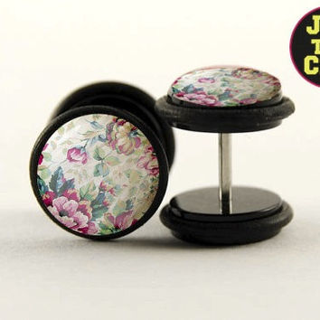 Vintage Wallflowr Fake Plugs by Plug-Club