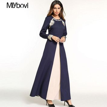 Dubai Abaya Muslim Dress Two-piece Swing Dress with Embroidered Arab Dress Party Middle Eastern Robe Kaftan Abaya Dresses