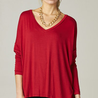 RED OVERSIZE TEE WITH THUMB HOLES