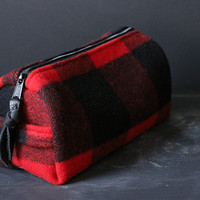 Dopp Kit. Buffalo Plaid Wool.