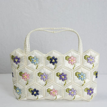 Vintage 1960s Purse White Honeycomb Embroidered Raffia Flowers Handbag