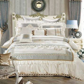 Cotton Silk Queen/King Size White Beige Luxury Royal Bedding set Duvet Cover Cotton Bed Spread Bedlinen 11Pcs Decorative pillow
