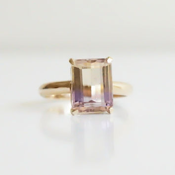 Lines ring with Ametrine