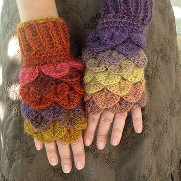 Dragon gloves, Dragon scale gloves, Dragon gloves with crochet scales, Dragon gloves crochet, Fingerless gloves, Arm warmers, Gift for her