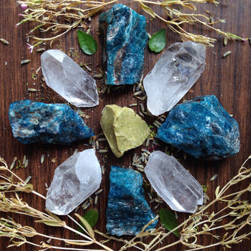 Raw Crystal Grid Apatite Crystal Healing Crystals and Stones Crystal Collection Rough Crystal Raw Stone Bohemian Decor Stone Set Yoga Om