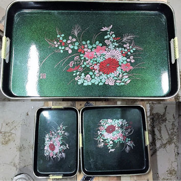 Vintage 1970s Lacquered Metallic Green Asian Tray Set, Vintage Japanese Floral Tray Set, Three (3) piece Asian Tray Set / Retro Tray Set