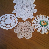 Collection of 5 handmade vintage doilies / Crocheted doilies