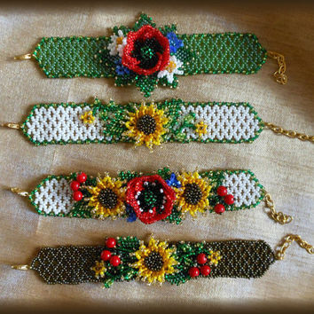 Bracelet with poppy seeds and sunflower
