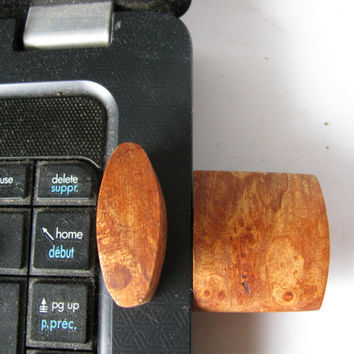 Wood cased flash drive 16GB  Purse or pocket size.