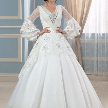 Luxury Muslim Long Sleeves Lace Wedding Dresses Vintage Euro Style Real Photo V-neck Crystal Beaded Top Elegant Bridal Gowns