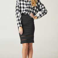 BLACK WHITE PLAID LONG SLEEVE TOP