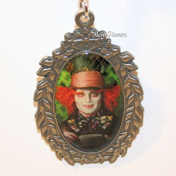 Licensed cool Disney The Mad Hatter Oval Cameo Alice in Wonderland Metal Key Chain Keychain