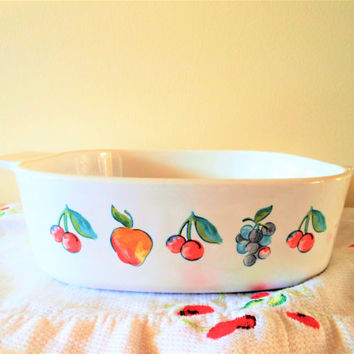 Corning Fruit Basket Casserole, Rare Corning Ware Casserole, Retro Corning Baking Dish,  2 Quart Corelle Cherries Grapes Apples Casserole