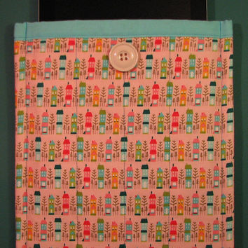 Large Tablet Sleeve--Pink and Blue Houses, Padded