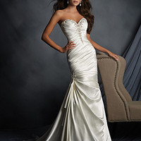 Alfred Angelo 2520 Strapless Satin Fit & Flare Wedding Dress