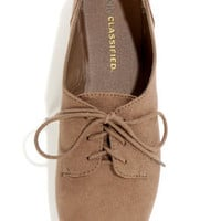 City Classified Desta Light Cement Lace-Up Oxfords