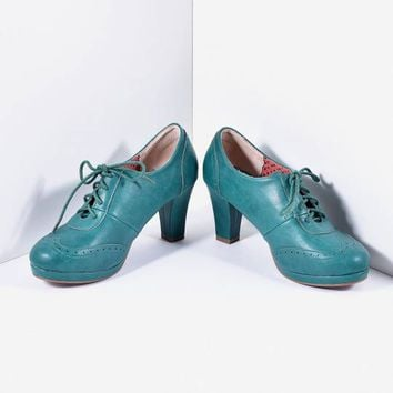 Bettie Page Green Leatherette Lace Up Saison Oxford Heels