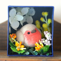 Robin bird diorama, handmade bird figurine in flower garden shadow box, miniature needle felt bird doll, home decor ornament, gift under 30