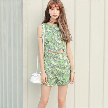 Leaves Print Asymmetrical Sleeveless Shirt With Paired Shorts