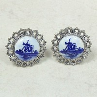 Vintage Delft Earrings Silvertone Blue White Windmill