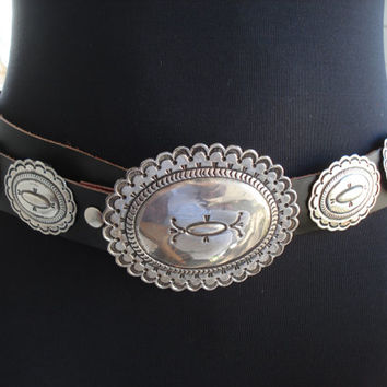 Vintage Native American Artist Signed 14 Piece Sterling Silver Black Leather Concho Belt