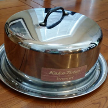 Vintage Chrome Kake-Toter Cake Carrier by Everedy With Twist On Lid Great Wedding House Warming Gift