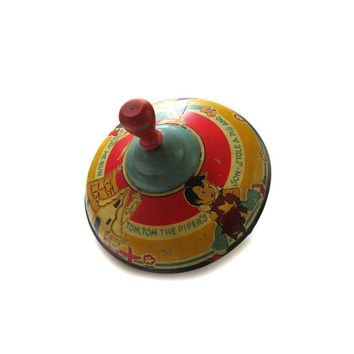 1940s Ohio Art Tin Litho Toy Spinning Top Tom Tom Piper's Son illustration by Fern Bisel Peat
