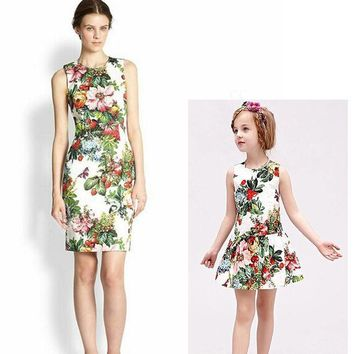 CREYHY3 Cotton floral family matching mother daughter clothes sleeveless O-Neck girls dress flower printing mother daughter dresses 1053