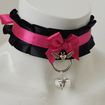Kitten play bdsm collar - Winged love - black and pink - ddlg princess kawaii cute neko girl lolita petplay choker with leash ring and bell