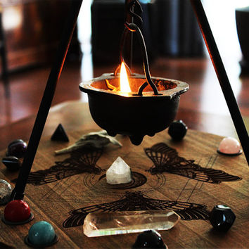 Pyramid Tri-Pod Cauldron Stand Set