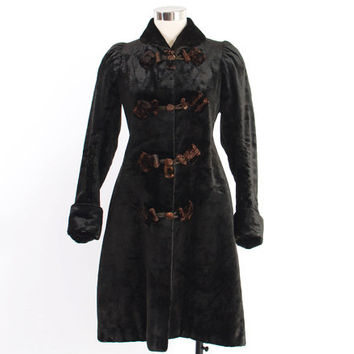 Victorian Winter COAT / Vintage 1890s Heavy Black Velvet Mohair & Fur Fitted Toggle Coat XS