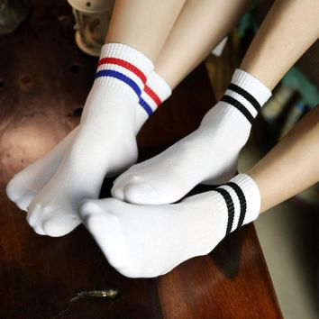 Harajuku Kawaii Striped Funny Socks Women 2018 Retro Schoolgirl Streetwear Socks Funny Korean Fashion Happy Socks M18