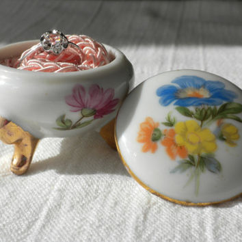 Porcelain Ring Box by Lefton 7311 Flower Ring Box Floral Ring Box Round Ring Box Porcelain Trinket Box Round Trinket Box Small Trinket Box