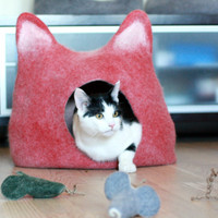 Pets bed / Cat bed - cat cave - cat house - eco-friendly handmade felted wool cat bed - red with natural white - made to order