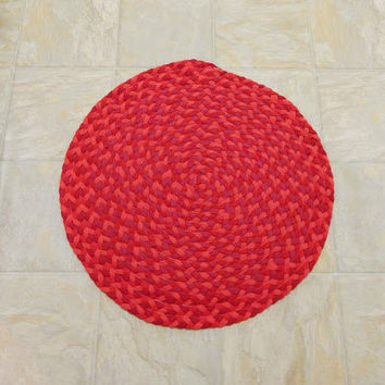 Red Rug, Red Braided Rug, Upcycled Tshirt Rug, Handmade Rug, Round Tshirt Rug, Recycled Rug, Round Rag Rug, Bright Red Rug