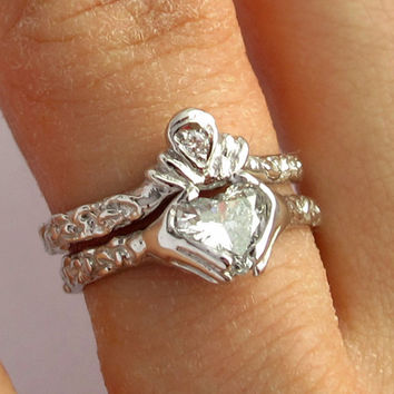 Claddagh Ring Wedding Set   0.74 karat heart by Ricksonjewellery