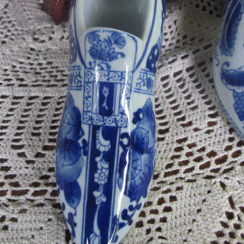Flow Blue Porcelain Shoe Victorian Shoe Planter Flow blue china Cobalt Blue and White Decor