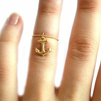 Gold Anchor Twist Midi Ring