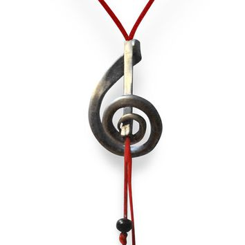 Elegant Musical Note Necklace