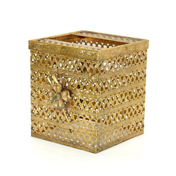 Vintage Hollywood Regency Square Tissue Box Holder | Gold Filigree Metal Kleenex Box Holder Cubical | Vintage 60's Gold Bathroom Decor