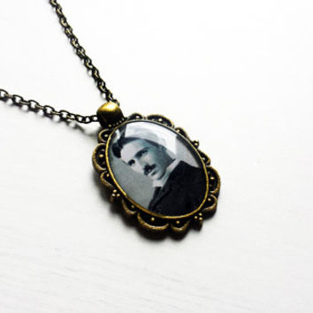 Nikola Tesla - Handmade Vintage Cameo Pendant Necklace - Science Jewelry - Gift for scientists - Nikola Tesla pendant -Nikola Tesla necklace