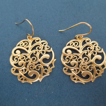 Gold, Filagree, Round, Paisley, Earrings - Cute, Modern, Oriental Jewelry, Wedding Gift for Mom
