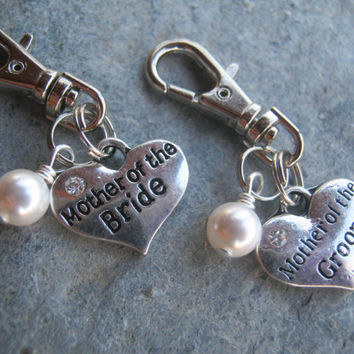 Mother Of Bride & Groom Zipper Pull, Personalized Pearl Wedding Key Fob, Heart Charm, Parent Gift, Mom Wedding Accessory