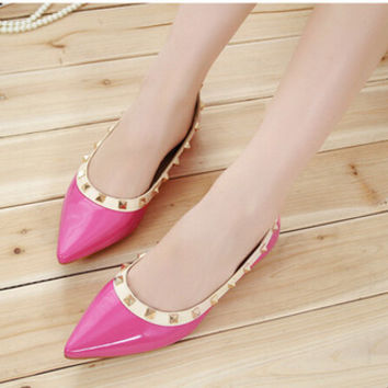 Womens Trendy Edgy Studded Pointy Flats