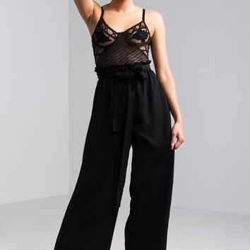 AKIRA High Rise Paperbag Waist Belted Wide Leg Pants in Black